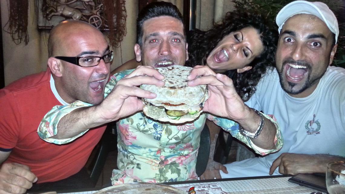 2014-08-25-00.28.45-1140x640 Sfida Gladiator vs Food